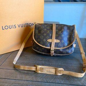 🌸✨CROSSBODY✨🌸 by Louis Vuitton